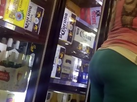 Latin chick CANDID Fat BOOTY IN LIGHT BLUE TIGHTS